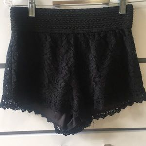 Lacey shorties